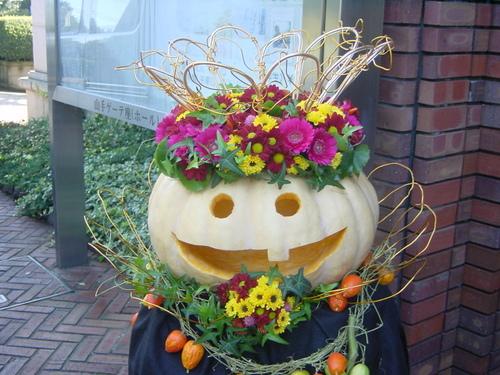 岩崎ミュージアム  ハロウィンの装飾 ⑵ 10月下旬