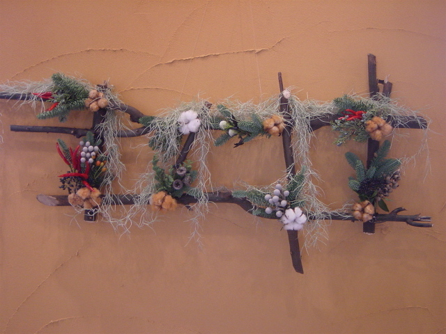 美容院「アディクト」さんのクリスマス装飾(壁掛け)2 12月初め