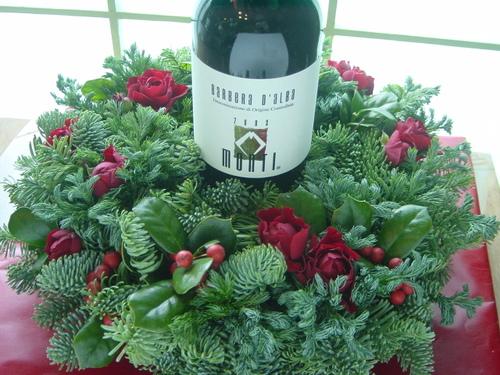 クリスマスプレゼント ワインに花を添えて 12月下旬