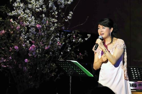 日野美歌さん「Live Sakura Cafe 2013」ステージ装花 4月上旬
