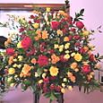 ピアノコンサート(山手イギリス館にて) 赤、オレンジ、黄色のバラで 5月下旬